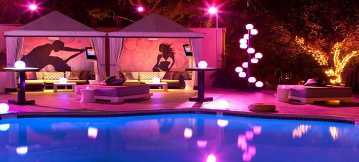 W Los Angeles Hotel Wet Cabanas